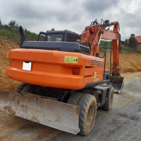 Excavadora giratoria de ruedas FIAT-HITACHI EX 165 W ocasión
